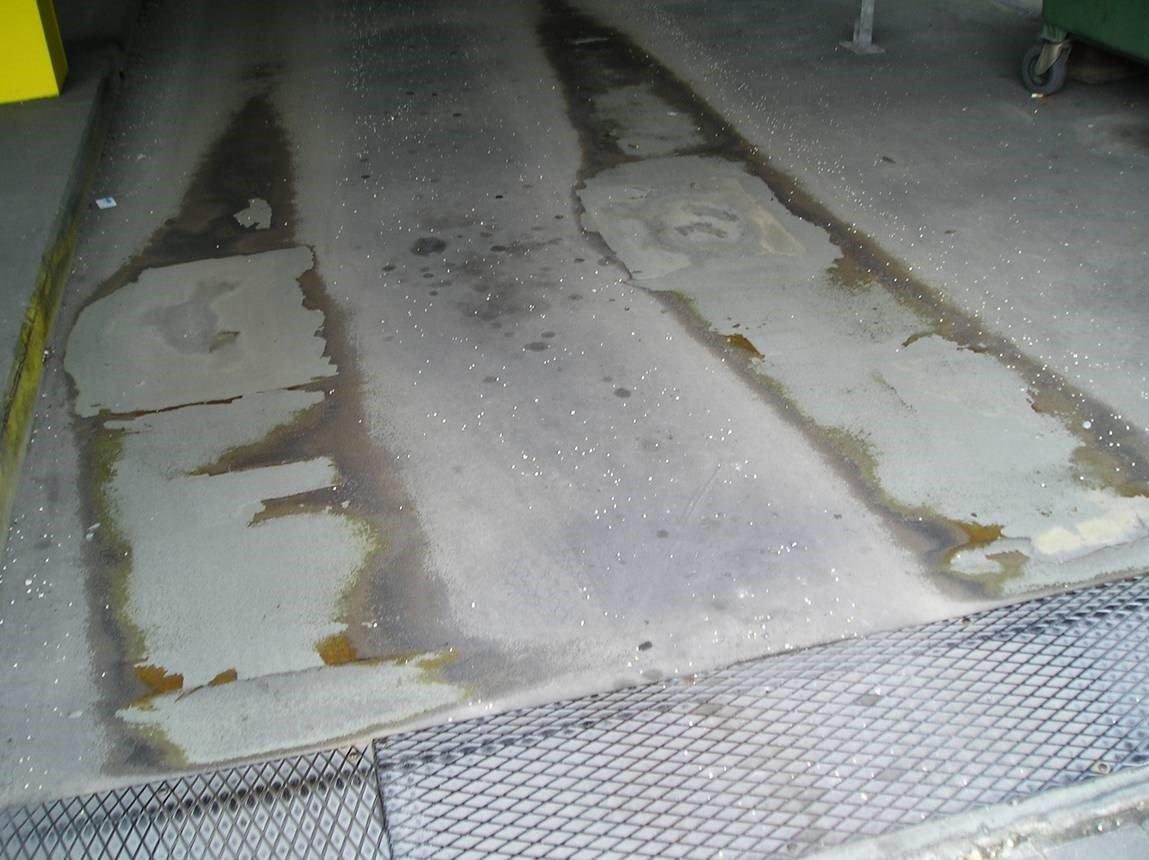 Дефекты повреждения проезжей части паркинга